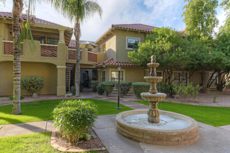 Photo of 8300 E VIA DE VENTURA Street #1006, Scottsdale, AZ 85258