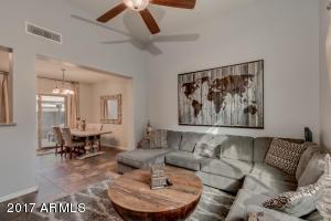 3658 E COVEY Lane, Phoenix, AZ 85050