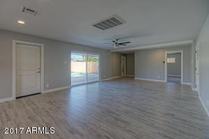 8202 E Clarendon Avenue, Scottsdale, AZ 85251