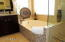 En Suite Jetted/Whirlpool Tub
