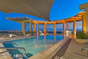 Esplanade Place Heated Pool, Spa, BBQ's, Seating areas, Panoramic Views!