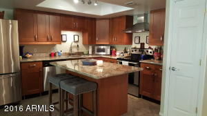 Beautiful Remodeled Kitchen - Granite with Stainless steel Appliances - Island and Pantry