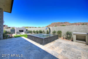 5672 E VILLAGE Drive, Paradise Valley, AZ 85253