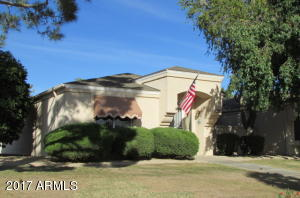 A wonderful end unit in a great HOA near the heart of SCW