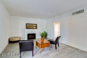 585 W HAZELWOOD Street, Phoenix, AZ 85013