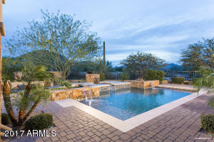 Heated pool and spa with beautiful mountain views & privacy