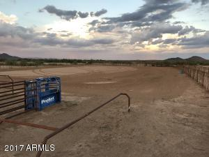 Full size team roping arena