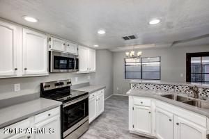 8708 N 67TH Drive, Peoria, AZ 85345