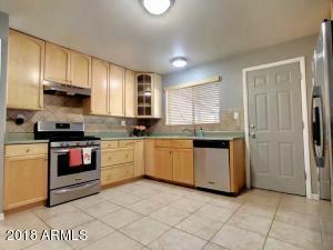 2402 N 36TH Place, Phoenix, AZ 85008