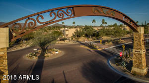 Just a walk across the street to the Carefree Town Center, Pavilion and million dollar cactus garden, surrounded by restaurants and entertainment!