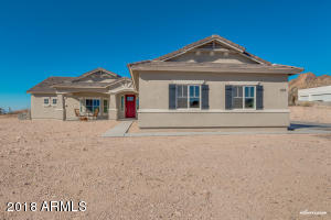 203 E SADDLE BUTTE Street, Apache Junction, AZ 85119