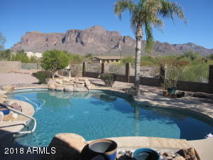 1077 N SHOTGUN Court, Apache Junction, AZ 85119