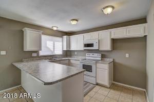 6736 N 43RD Avenue, Glendale, AZ 85301