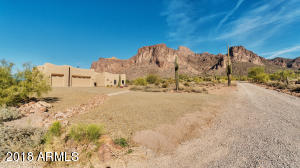 EXPERIENCE TRUE AZ DESERT LIVING IN THIS ONE OWNER HOME WITH SUPERSTITION MT VIEWS