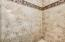 Gorgeous tile in the master shower