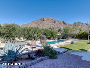 5330 E PALOMINO Road, Phoenix, AZ 85018