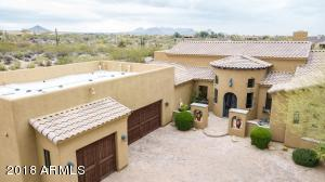 Welcome to your new luxurious home in North Scottsdale.