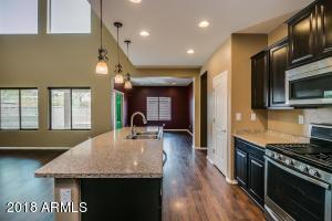 10763 W COTTONTAIL Lane, Peoria, AZ 85383