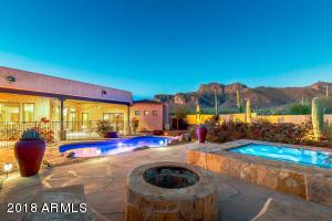 925 S COTTONTAIL Court, Apache Junction, AZ 85119