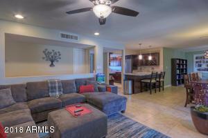 8143 E EARLL Drive, Scottsdale, AZ 85251