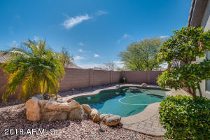 41017 N Prestancia - Anthem Golf & Country Club. 3 bedroom, 2 bathroom, office, private pool.