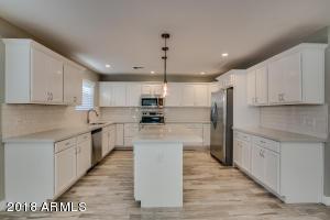165 W MOORE Avenue, Gilbert, AZ 85233