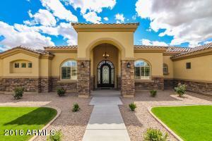 6827 E IVYGLEN Street, Mesa, AZ 85207