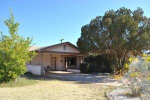 6402 E VERNON Avenue, Scottsdale, AZ 85257