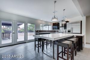 7001 E DREYFUS Avenue, Scottsdale, AZ 85254