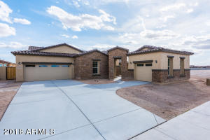 17913 W REDWOOD Lane, Goodyear, AZ 85338