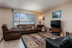 4054 W MISSION Lane, Phoenix, AZ 85051