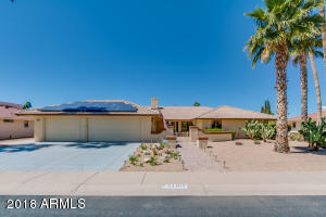 Welcome to your new home in the highly sought after community of Sun City West!