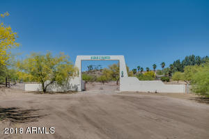 27220 W Gates Road, Morristown, AZ 85342