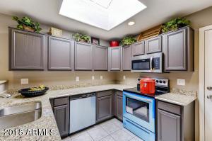 8143 W YUCCA Street, Peoria, AZ 85345