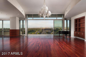 Property for sale at 15215 N Kierland Boulevard Unit: 934, Scottsdale,  Arizona 85254