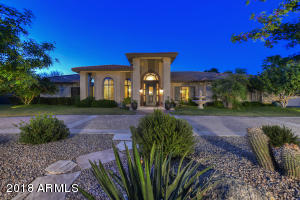 Transitional 5 Bedrooms, 5 Bathrooms, 6,191 sq. ft Paradise Valley Home