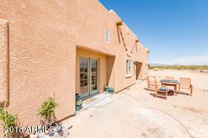 17981 S Gene Autry Road, Yucca, AZ 86438