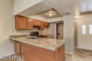 910 N CENTER Street, 17, Mesa, AZ 85201