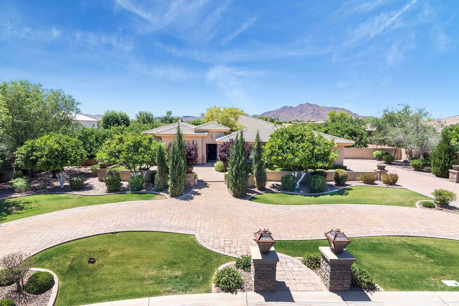 Photo of 4677 E COLLINWOOD Drive, Gilbert, AZ 85298