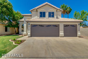 Three car garage Chandler home