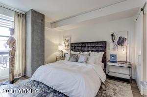2300 E CAMPBELL Avenue, 429, Phoenix, AZ 85016