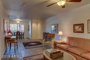 12212 N PARADISE VILLAGE Parkway S, 204, Phoenix, AZ 85032
