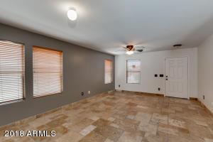 117 E GWEN Street, Phoenix, AZ 85042