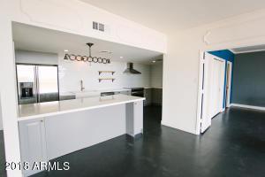 207 W CLARENDON Avenue, E20, Phoenix, AZ 85013