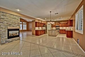 2104 W LONGHORN Drive, Chandler, AZ 85286
