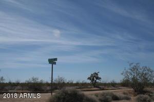 17485 S CUSTER Road, Yucca, AZ 86438