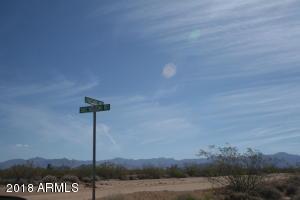 17485 S Doc Holiday Road, Yucca, AZ 86438