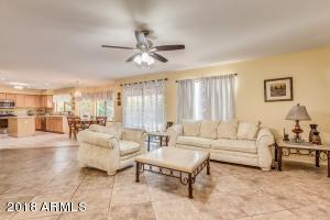 8672 W ROSE GARDEN Lane, Peoria, AZ 85382