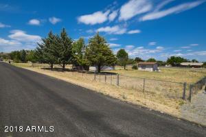 18613 S BABY HAMILTON Road, Peeples Valley, AZ 86332