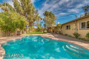 Property for sale at 8220 E Crestwood Way, Scottsdale,  Arizona 85250